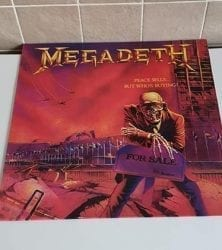 Buy this rare Megadeath record by clicking here