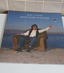 Buy this rare Jeff Lynne record by clicking here