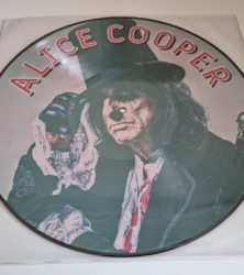 Buy this rare Alice Cooper Record by clicking here